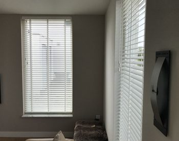 raamdecoratie strijbosch - houten jaloezieën wit kopie 19