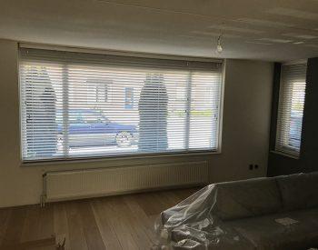 raamdecoratie strijbosch - houten jaloezieën wit kopie 23