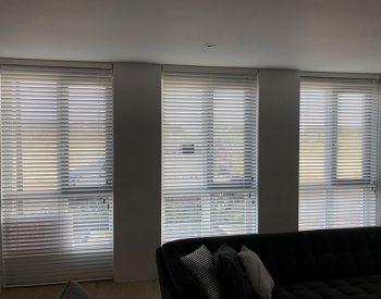 raamdecoratie strijbosch - houten jaloezieën wit kopie 8