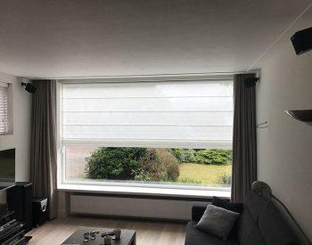 raamdecoratie-strijbosch-overgordijn-met-vouwgordijn
